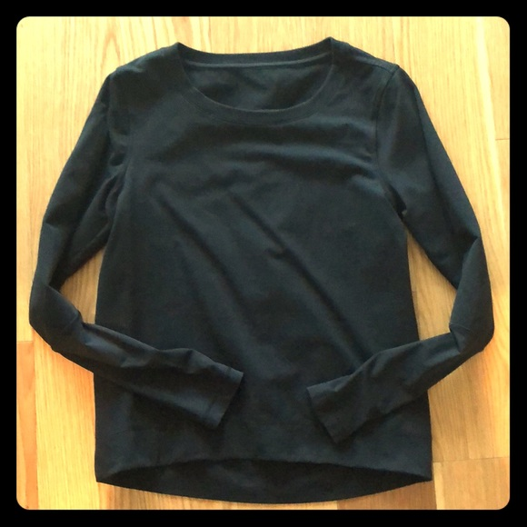 1209c709be lululemon athletica Sweaters - Women's Lululemon black crew neck sweatshirt